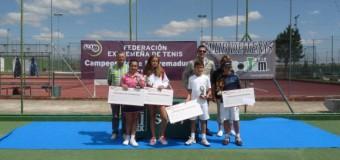 Mario Carlos Sánchez y Marta Cuevaas Campeones Extremadura Alevín 2014 en el C.T. Sportem de Badajoz
