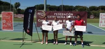 Guillermo García y Blanca Martín Campeones de Extremadura Cadete 2014 en el C.T.Las Arenas de Don Benito