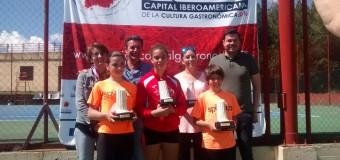 Fernando Bulnes y Lucía Risquete Campeones de Extremadura Alevín  en Las Escuelas Deportivas de Mérida